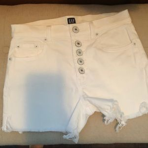 White gap fray  shorts